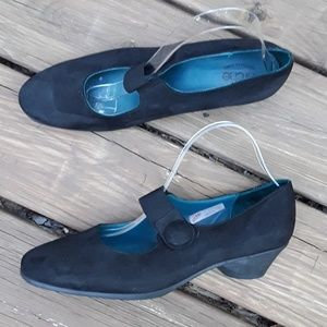 arche Slip-On Shoes